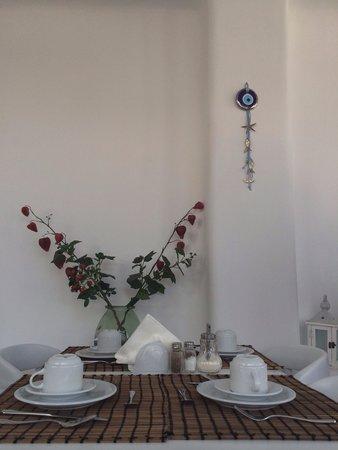 Hotel Spanelis: Très jolie table pour vous accueillir