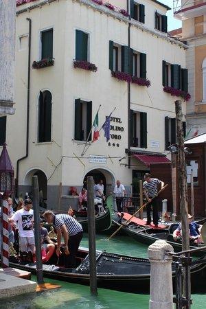 Hotel Violino d'Oro: Frente do hotel
