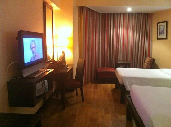 The Bayview Hotel: Seaview room Deluxe - so comfy bed
