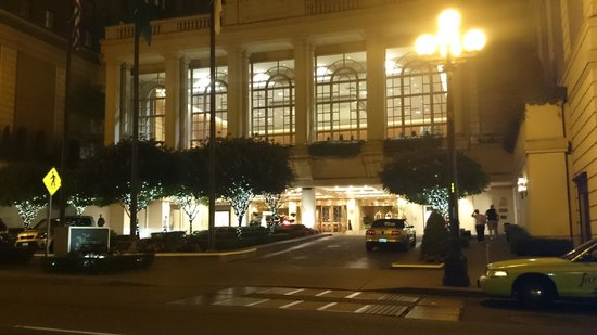 The Fairmont Olympic Seattle: Making a grand entrance!