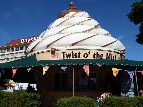 Twist O' The Mist: Ice Cream Stand