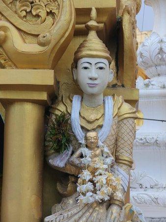 Pagode Shwedagon : Statue