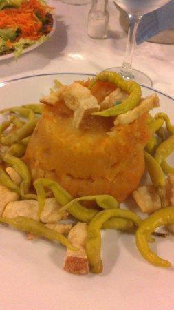 La Fuente: Plato típico: Patatas revolconas