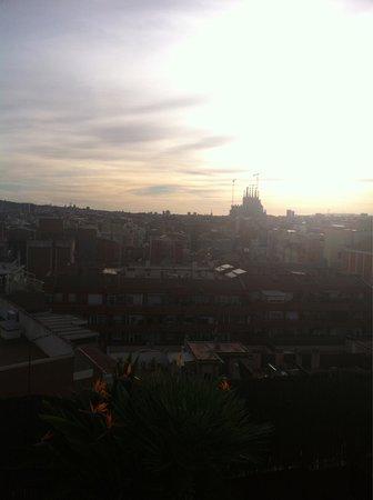 Catalonia Atenas Hotel: La sagrada familia a unas cuadras del hotel