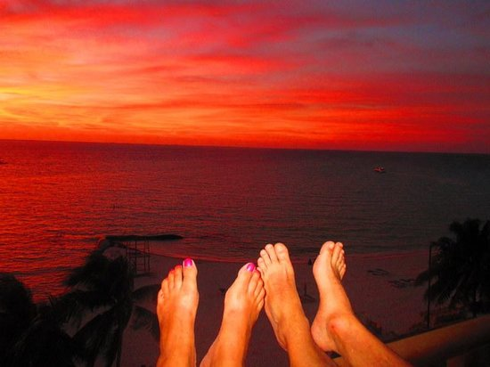 Ixchel Beach Hotel : Some of the most beautiful sunsets we have ever seen!