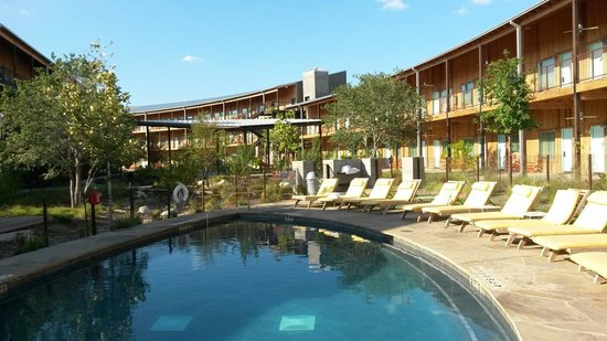 Lone Star Court: We really enjoyed the pool in the super hot city of Austin!