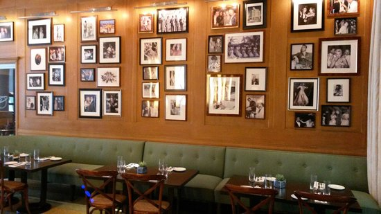 The Raleigh Miami Beach: Inside the restaurant: wall of fame