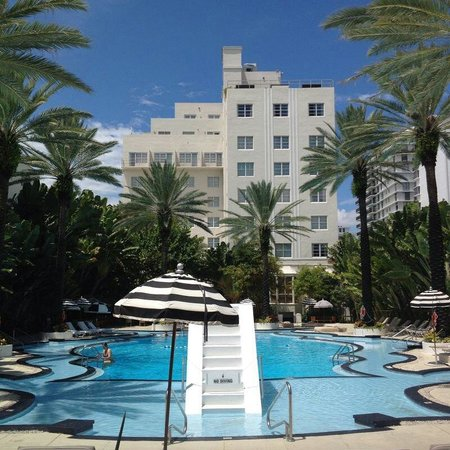 The Raleigh Miami Beach: If you look for quiet and relaxing time, go to the Raleigh. If you are looking for partying go t