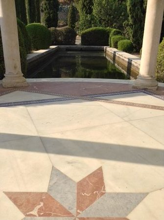 Jardin Botanico Historico La Concepcion: Cúpula