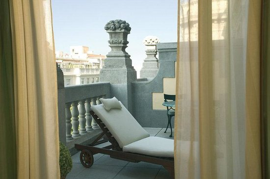 NH Collection Madrid Abascal: Guestroom Balcony