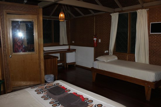 Walindi Plantation Resort: Bedroom