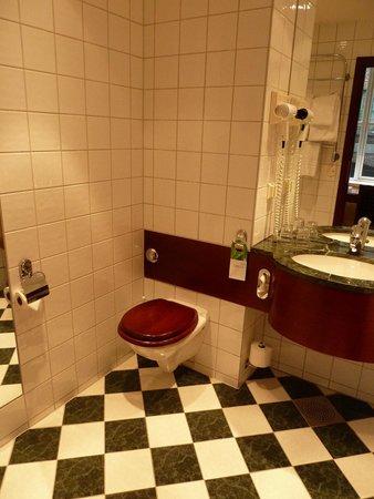 First Hotel Marin : Bathroom with floor heating