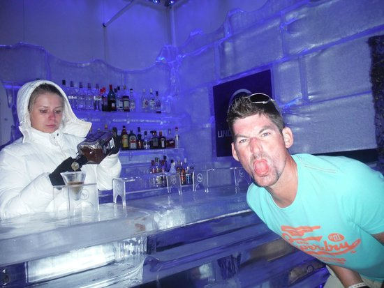 Lindos Ice Bar: Give me a cold beer :)