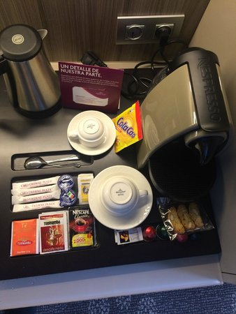Crowne Plaza Barcelona - Fira Center: Coffee Station
