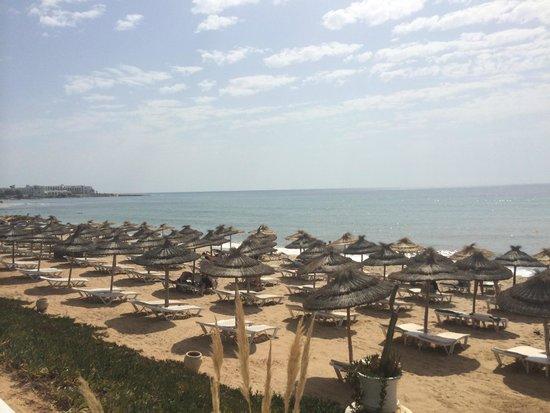 Radisson Blu Resort & Thalasso: spiaggia privata