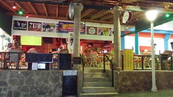 Bambooze bar