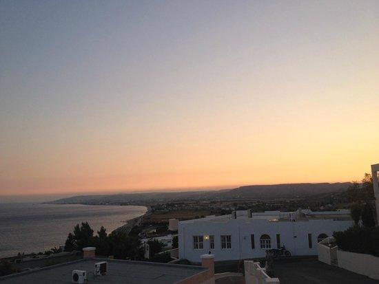 Mitsis Family Village Beach Hotel: vue de la chambre en fin de journée