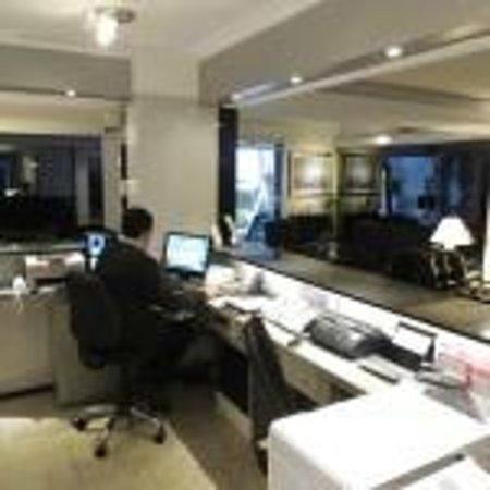 Bonne Etoile Hotel: oficina de centra de reservas