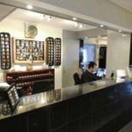 Bonne Etoile Hotel: recepcion