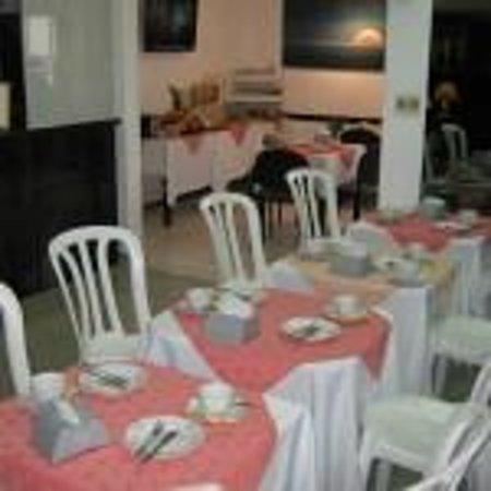 Bonne Etoile Hotel: comedor acogedor para desayuno