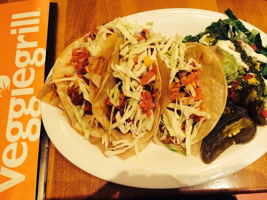 The Veggie Grill: Chicken taco.. Yum!