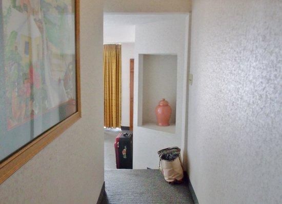 Beach Cove Resort: Room 818 (B)