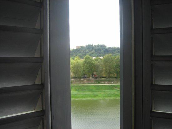 Casa del Lago: Vista sull'Arno dalla mia camera