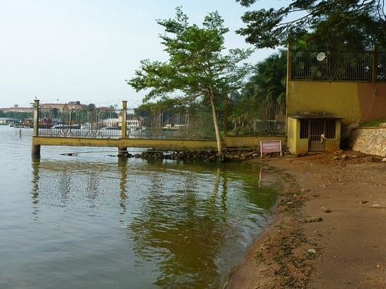 Imperial Botanical Beach Hotel : sad beach
