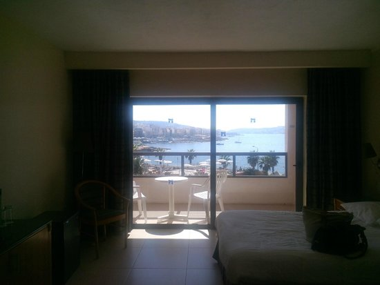 Dolmen Resort Hotel: standard seaview room