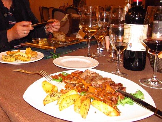 Asolo Golf Club Resort: ужин
