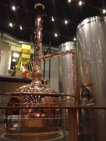 A Hereford Beefstouw: レストランの中でビールを醸造しています。出来たてのビールは、とても美味しかったですよ!
