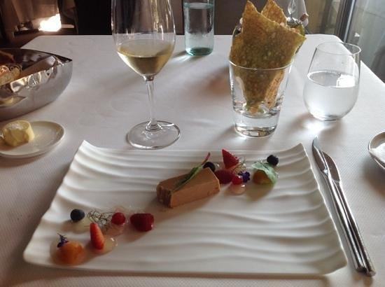 Bellevue: foie gras with berries.