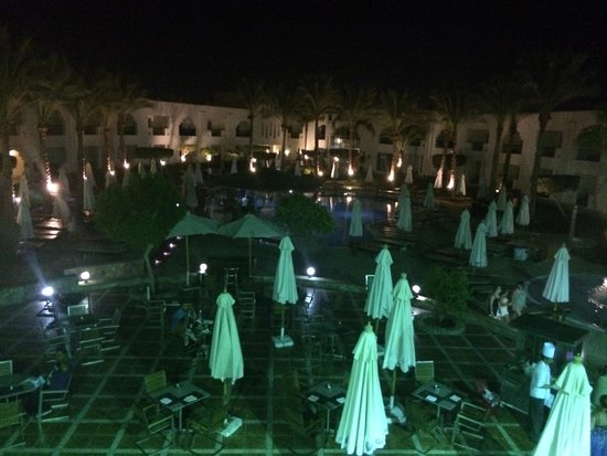 Xperience St. George Homestay: View from a la carte at night