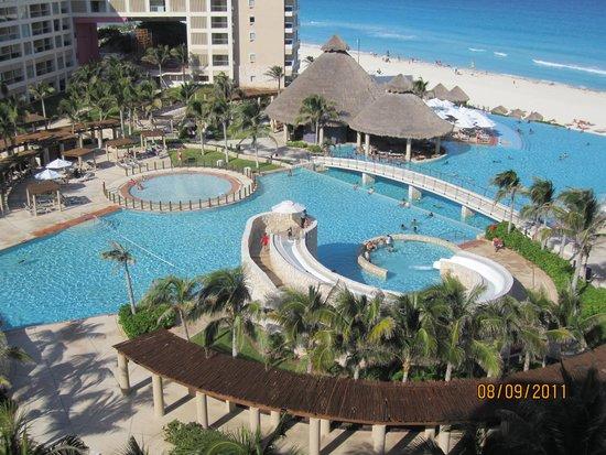 The Westin Lagunamar Ocean Resort: View from Room.