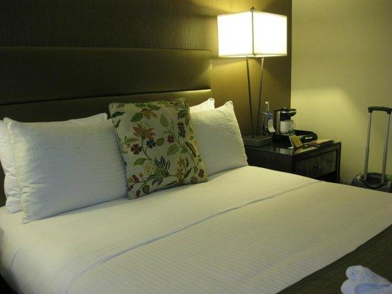 Carvi Hotel New York : Cama muy cómoda