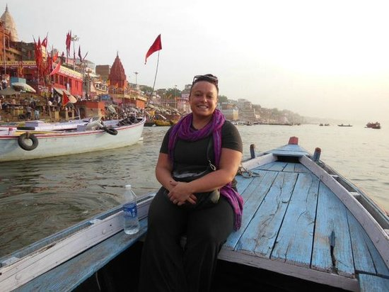 Homestay: Morning boat ride down the Ganges