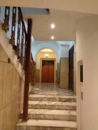 Sixbeds: Le hall d'entrée