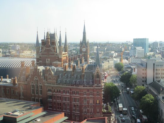 Pullman London St Pancras : View from top-floor public area