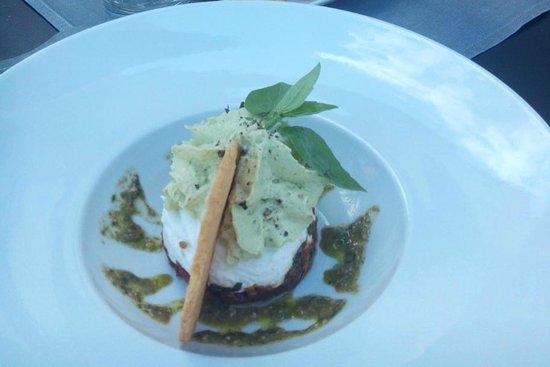 Restaurant La Villa : Croustillant de chèvre, tomates confites et espuma d'avocat