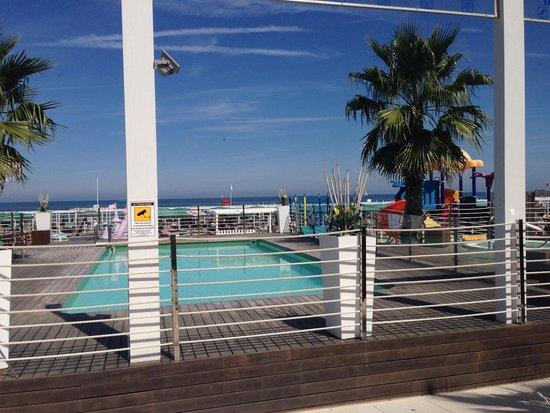 Piscina bagno 101/102 - Foto di Hotel Tiffany\'s, Riccione - TripAdvisor