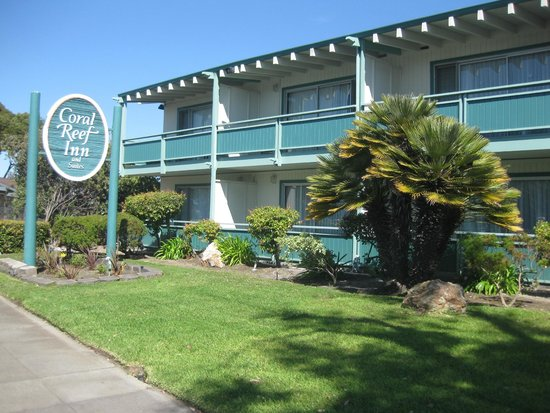 Coral Reef Inn & Suites: Hotel Frontansicht