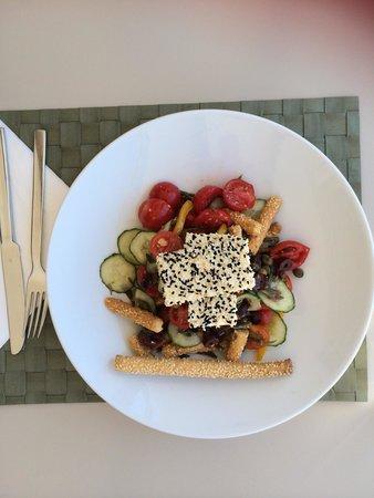Assyrtico: Greek Salad