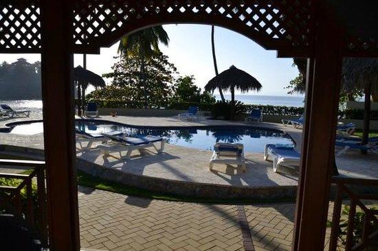Grand Bahia Principe Cayacoa : View from our beach villa