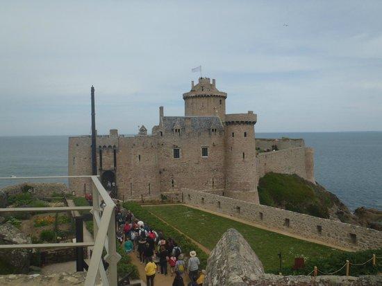 Fort La Latte : Towards the inner keep