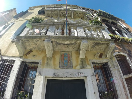 Front of Palazzo Cendon