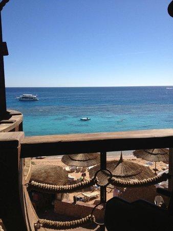 Faraana Reef Resort : Ужин на веранде