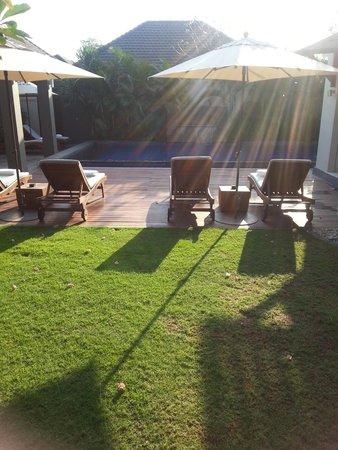 Akara Villas: courtyard