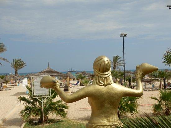 Hotel Paradis Palace: Beach view