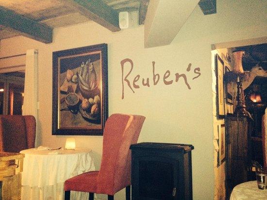 Reuben's: Restaurante