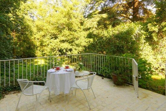 """Le Moulin du Mesnil : Terrasse de """"La Suite"""""""